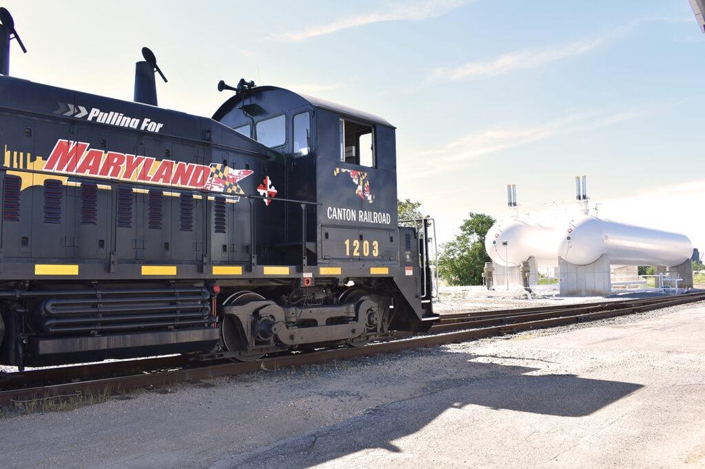 cantonRailroad-trainTankStorage-070119